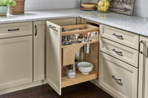 Pull-Out Knife Organizer